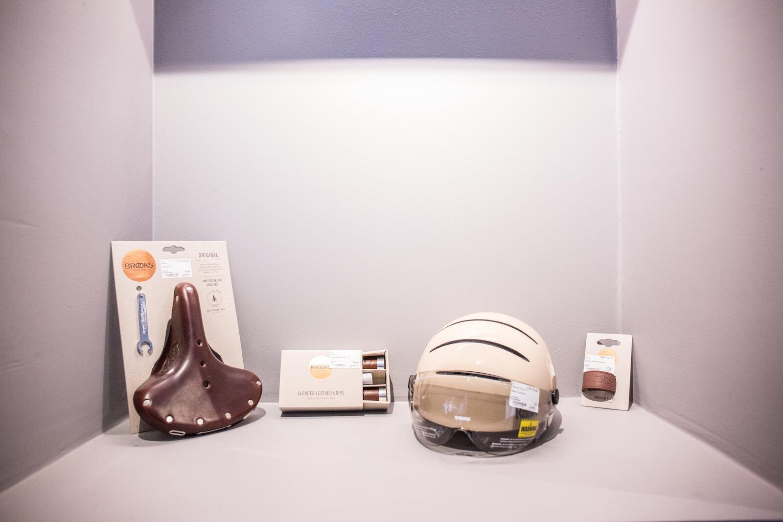Quelques accessoires présents dans le magasin de Charly